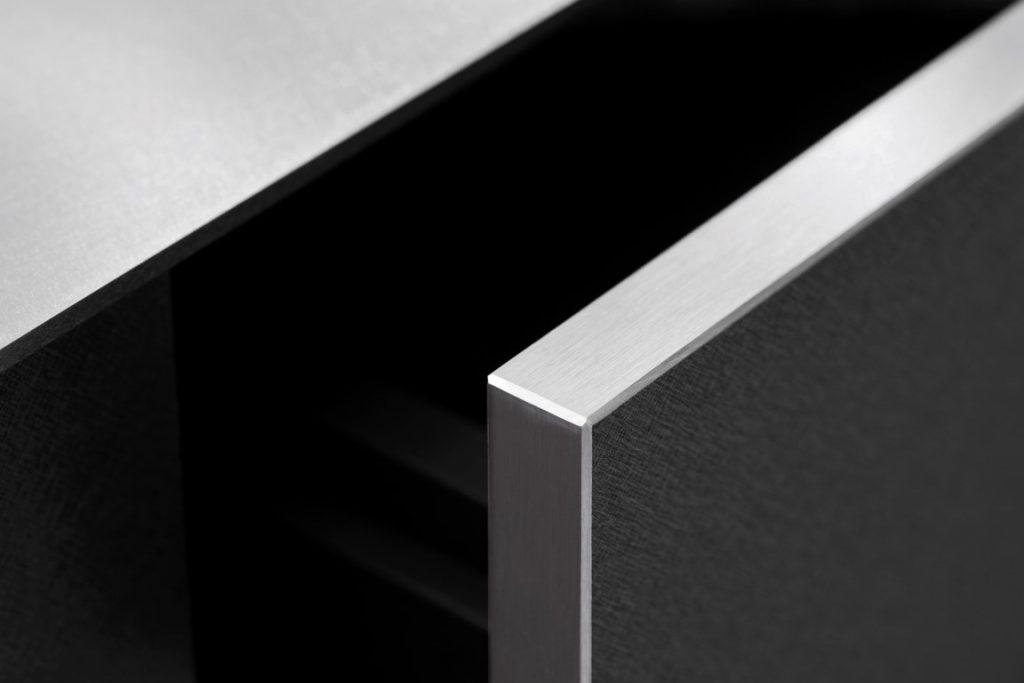 K12 KQ Grey – Titanium MetalLine KQ Black det1